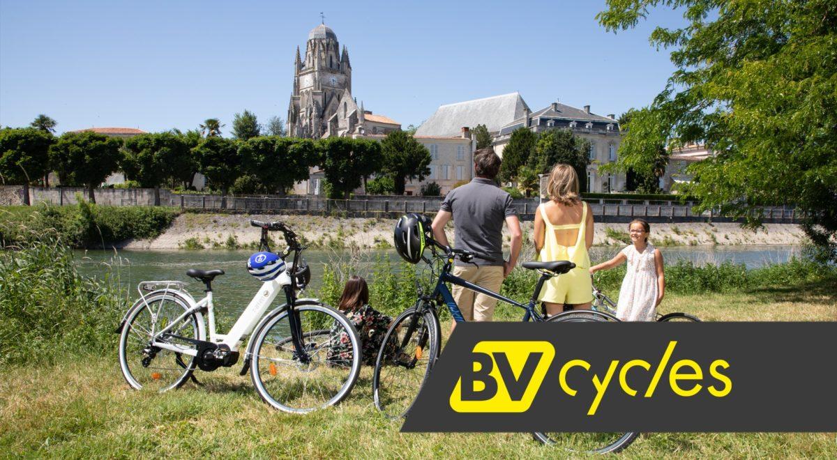 Vélo en famille en VTC à Saintes